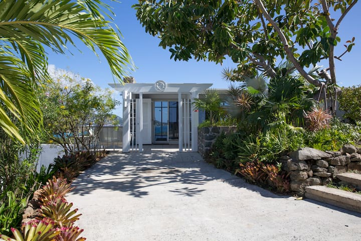 Caribview: Water Island Home with a View