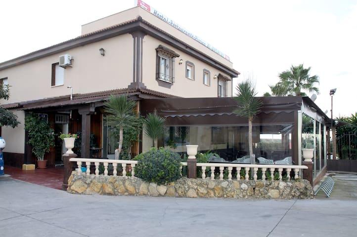 Hostal Restaurant Al-Andalus S.1 - La Guijarrosa - Lainnya