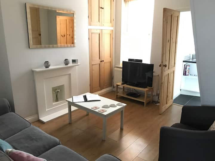 2 Bed house in York with free on street parking