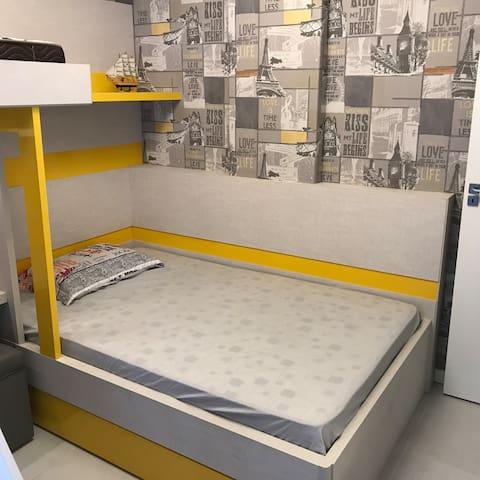 Quarto 3 - Cama Casal Escorregador, Tv, Ar, Beliche e cama adicional