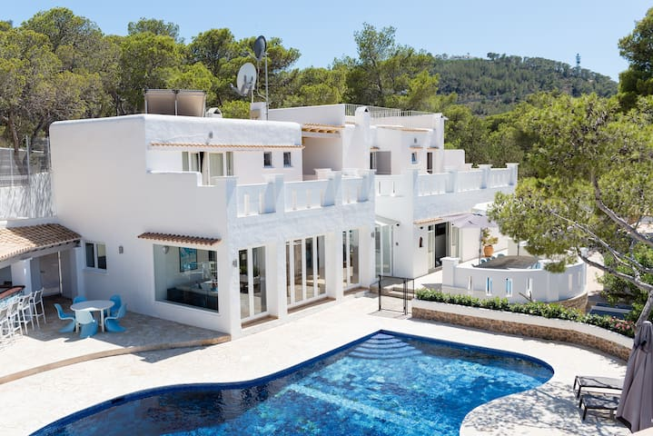Large villa near beautiful beach - Ibiza - Willa