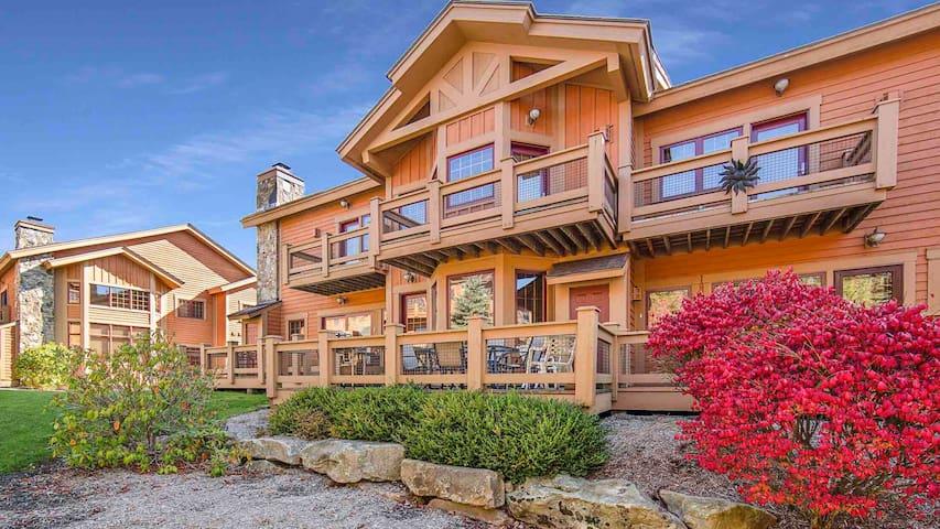 Seven Springs Resort Ski-in Ski- out southwind