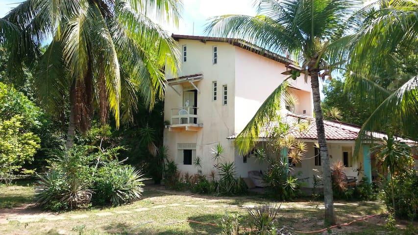 Casa Hostel em Itacimirim - Praia, Rio e Piscina.