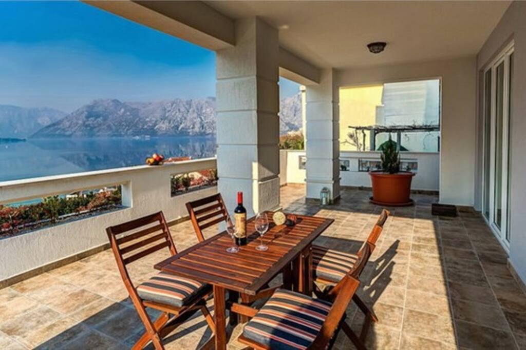 Spacious balcony, Villa Rossa