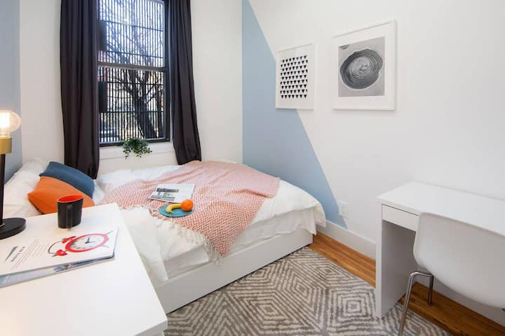 Artsy Private BR in Fort Greene Cumberland