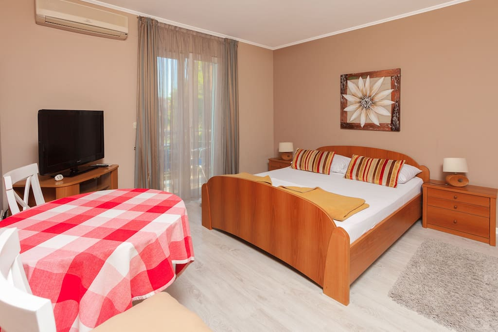 Standard double room chambres d 39 h tes louer zadar for Chambre hote zadar