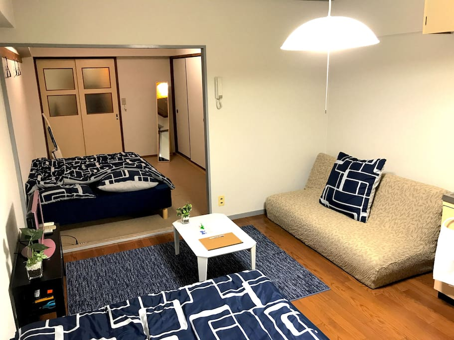 Jr osaka st 6min pocket wi fi flats for rent in for Living room of satoshi