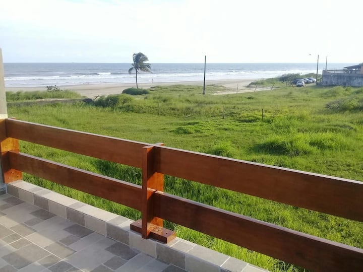 Casa na Praia Itanhaém pé na areia
