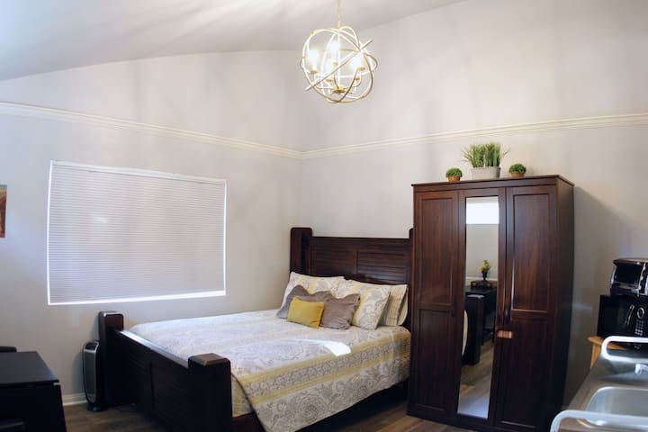 High, vaulted ceilings for airy, roomy feel.