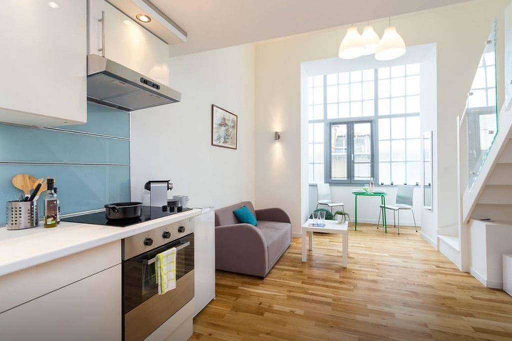 studio moderne au coeur de nice appartements louer nice provence alpes c te d 39 azur france. Black Bedroom Furniture Sets. Home Design Ideas