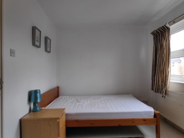 Double room for selfcatering for short/long stay