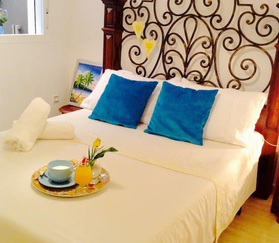 Habitación Privada con Desayuno - Roquetas de Mar - Bed & Breakfast