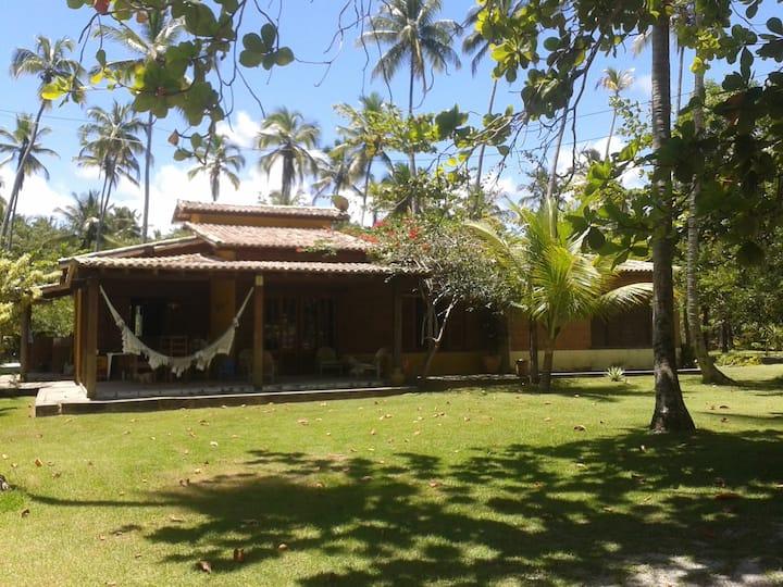 Vila dos Coqueiros - Chalé e praia
