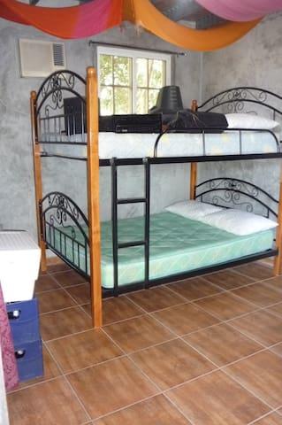 Cuarta Habitación (Dentro del Depósito) / 4th Bedroom inside the deposit