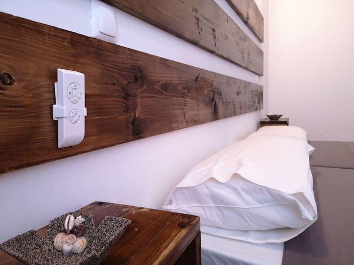 Wood Attic -3min beach-Free WIFI- ARCO IRIS HOUSES