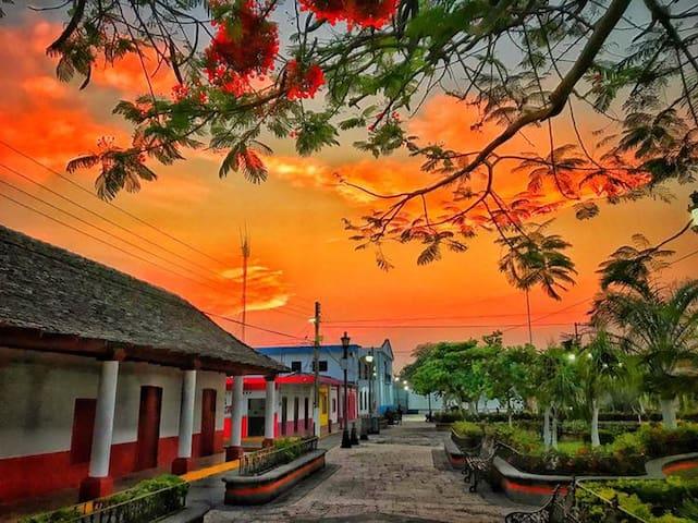 Hostal Casa Tío Hugo en Nautla, Veracruz. Playa.