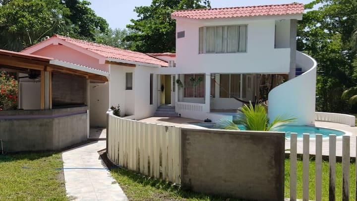 Casa en Costa del Sol, El Salvador