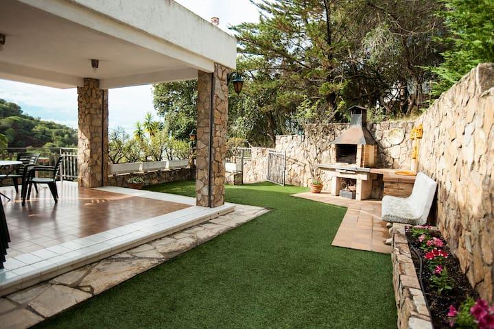 Casa Magda 6+2+2 (Cala Cañyelles, Lloret de Mar)