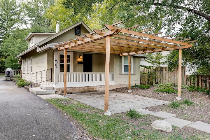 Perfect weekend pad on the Monon - walk to bars!