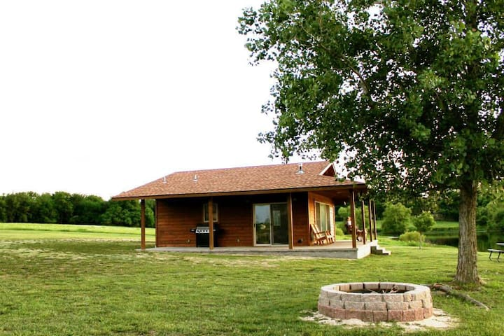 Coopers Lakeview Cabins #1 - Edna