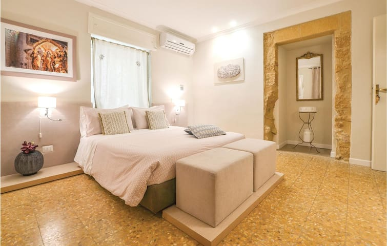 Holiday apartment with 2 bedrooms on 75m² in Caltagirone