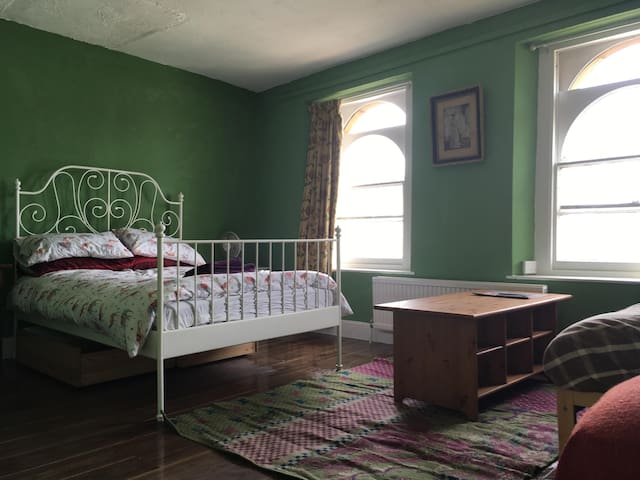 Vintage Style room in Bristol city centre (33)