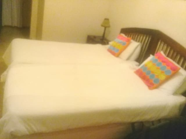 Extra bed in quiet Midrand guesthouse