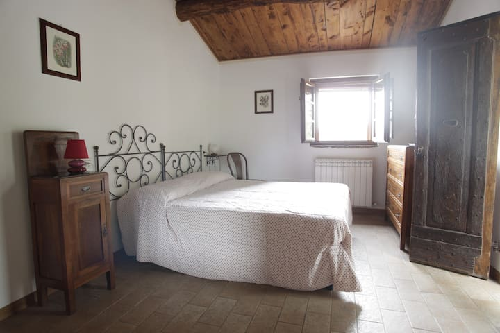 Room in typical Umbrian farmhouse - Biancospino - Corlo - Lejlighed
