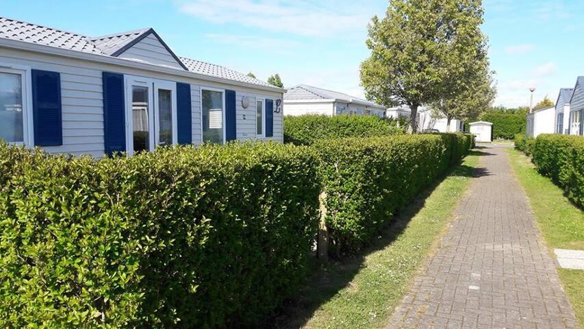 Cosy bungalow à la mer