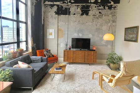 Cozy bedroom in Downtown Loft with Gorgeous View - 諾克斯維爾(Knoxville) - 公寓