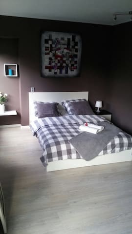 Comfy and homely room BREAKFAST inc - Amsterdã - Apartamento