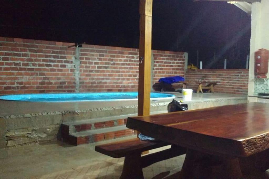 Área de lazer cm a piscina