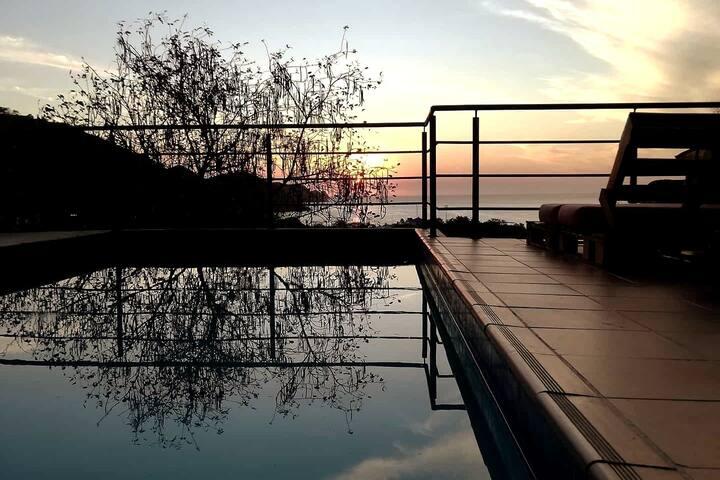 Flor de la Vida - Ocean view Cabana with pool!