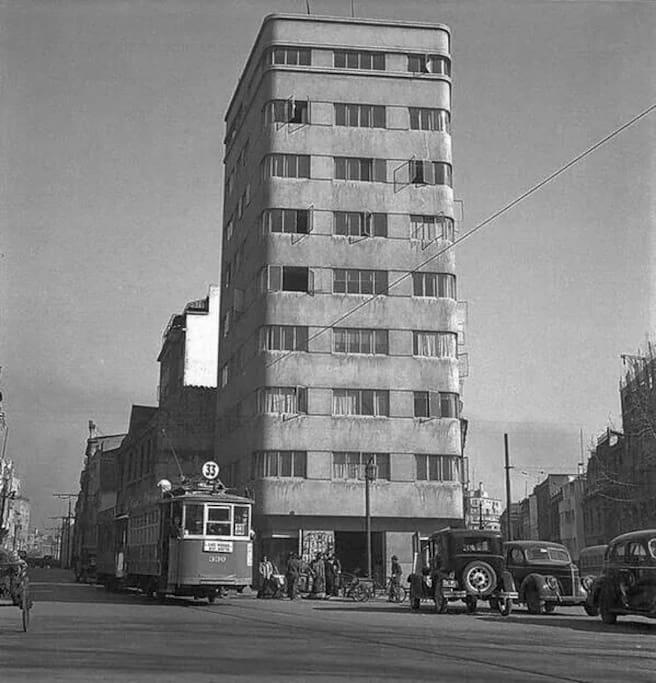 Foto de los años 50's del edificio