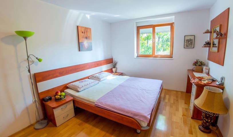 Holiday Home Heaven - Bedroom 1