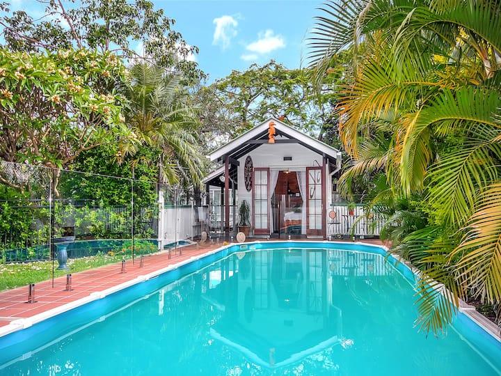 Queenslander Cabin -- superior location