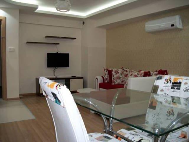 great and comfortable apartment - Konak - Apartamento