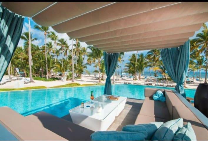 Apartment in seaven beaches condominium.