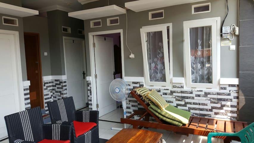 Nina House-Kebon Sirih, Jaksa.Room8
