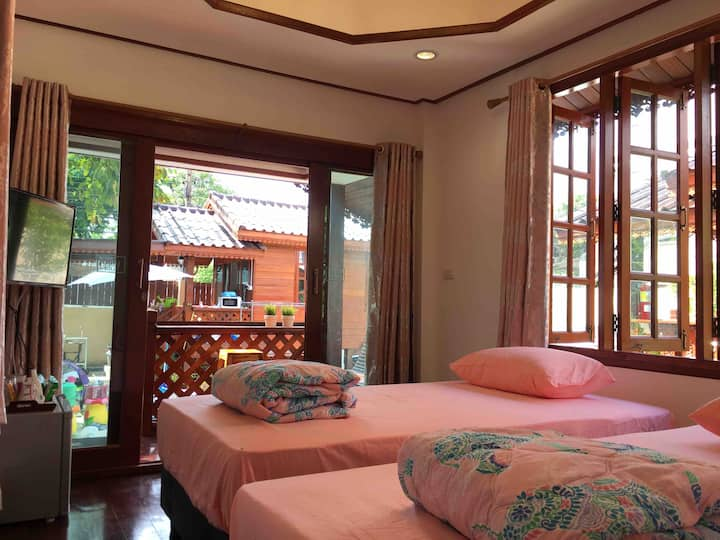 Free pick up /Thai Wooden House  /Near BKK Airport