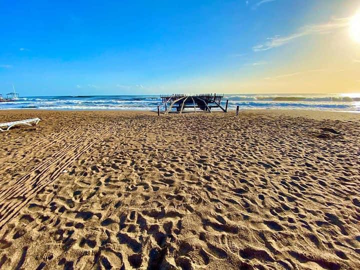 ANTALYA  beach & pool F12