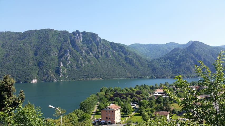 Lago d'Amare, cosy lake house with see view