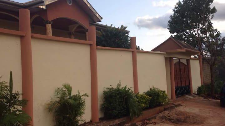 Claudia's House à Nkomo Yaoundé