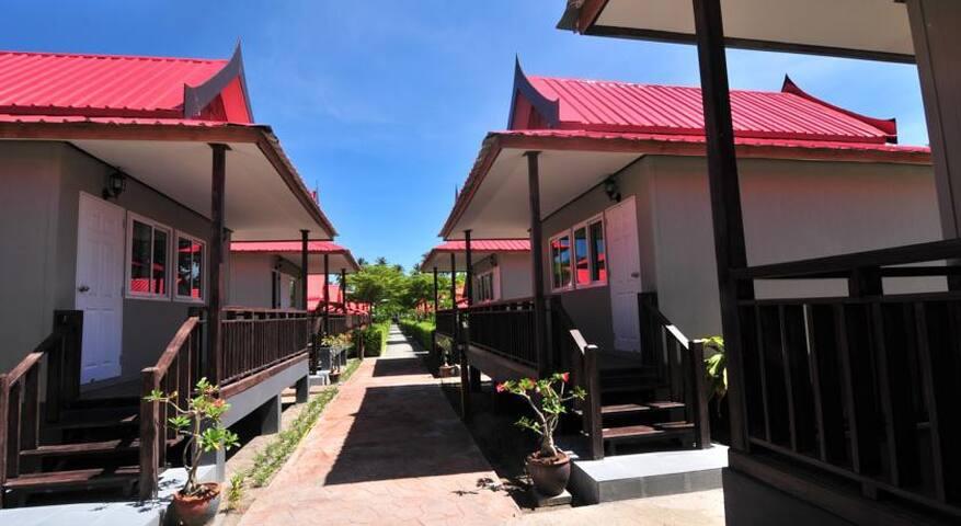 Spacious bungalow on Phi Phi