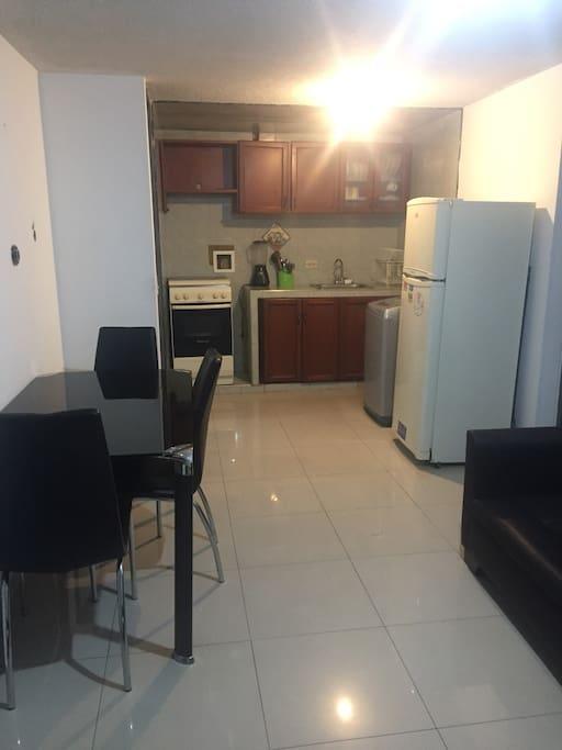 Comedor, cocina (nevera, lavadora)