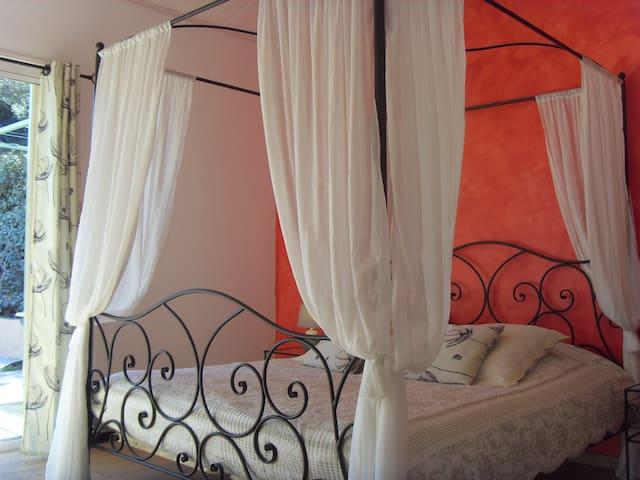 Chambre d hote de charme au couleur du sud - Montauriol - Bed & Breakfast