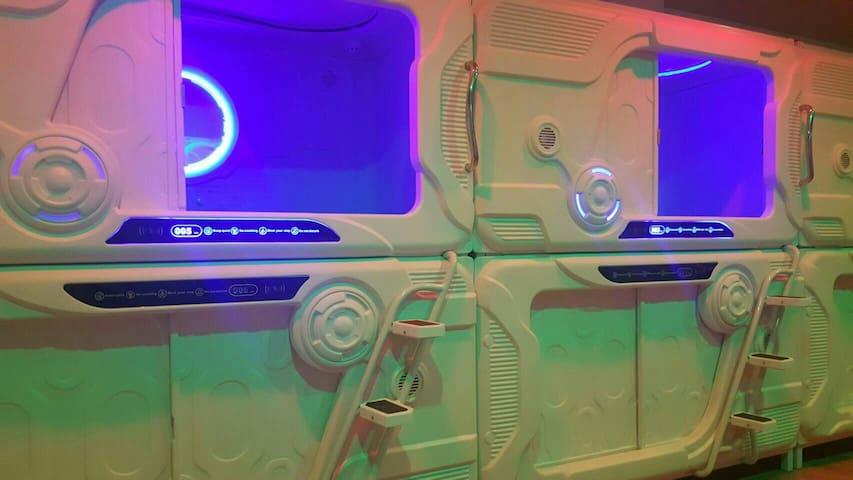 太空艙膠囊旅館