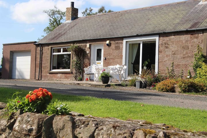 Glennie- A two bed country escape