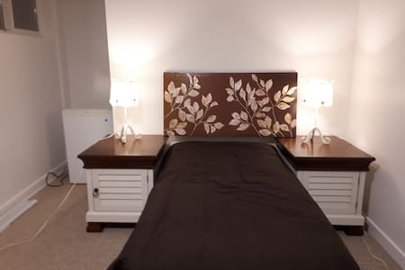 Bedroom, Great Location Near Beaches and Downtown
