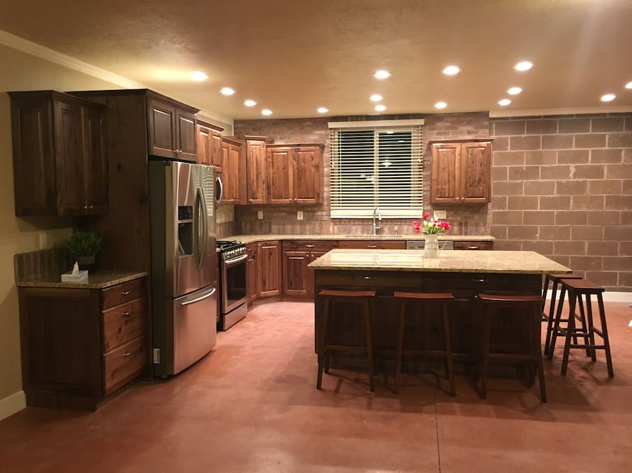 Entire Kitchen area